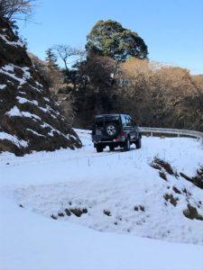 ランクル70と雪の舟生林道