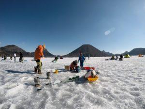 榛名湖で氷上ワカサギ釣り