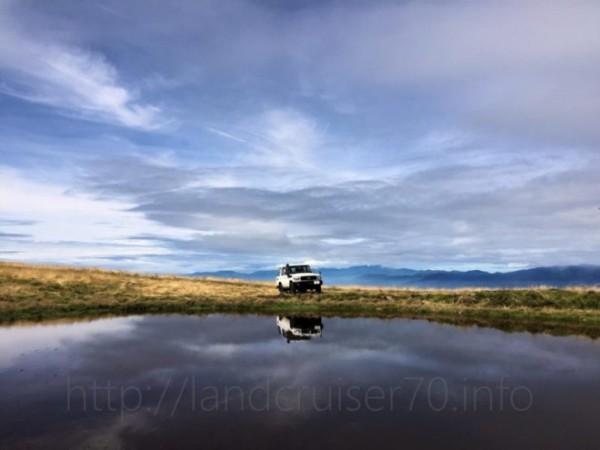 天空の池とランクル70