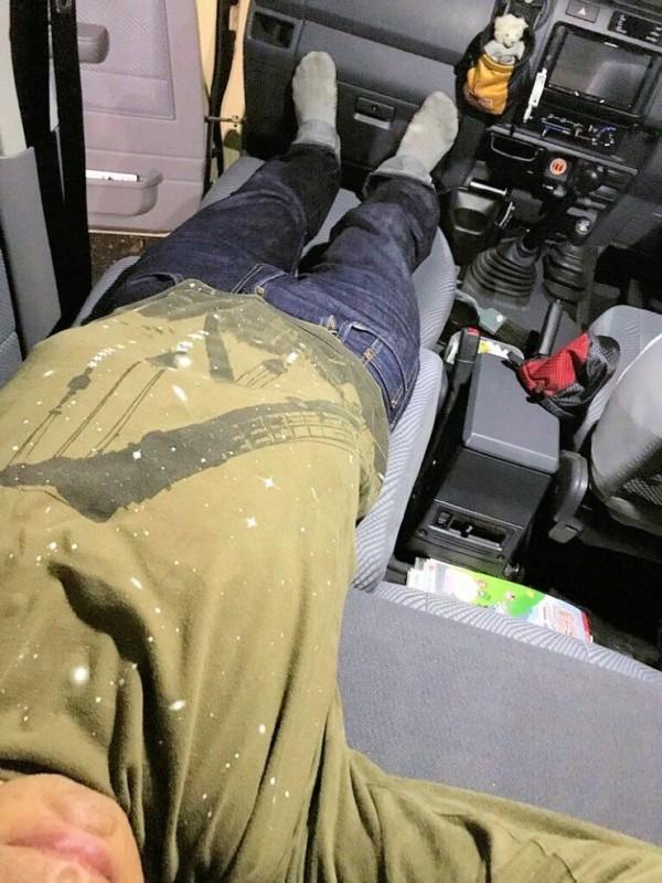 ランクル70のフロントシートリクライニング加工DIY006