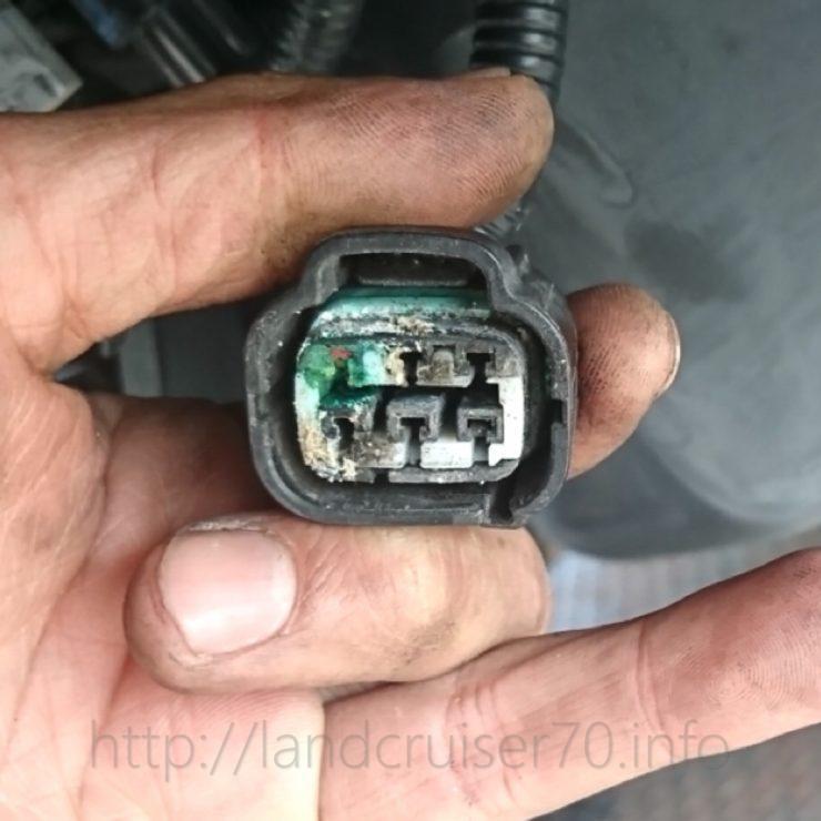 ランクル70の燃料ポンプ配線腐蝕故障