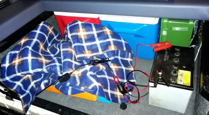 冬の車中泊も電気毛布とサブバッテリーでポカポカ?