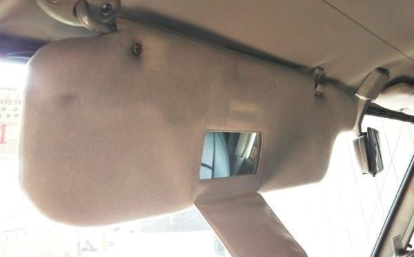 丸目ランクル70シートを再販車シートに交換&70プラド用サンバイザー取付 byまるさん